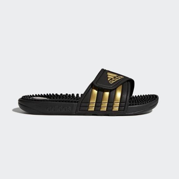 Adidas zapatos Gold Metallic negro adissage sandalsslides poshmark